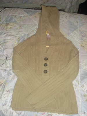 very cute brown sweater size L