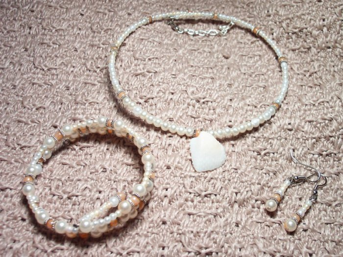 Pearl and Peach Memory Wire Set