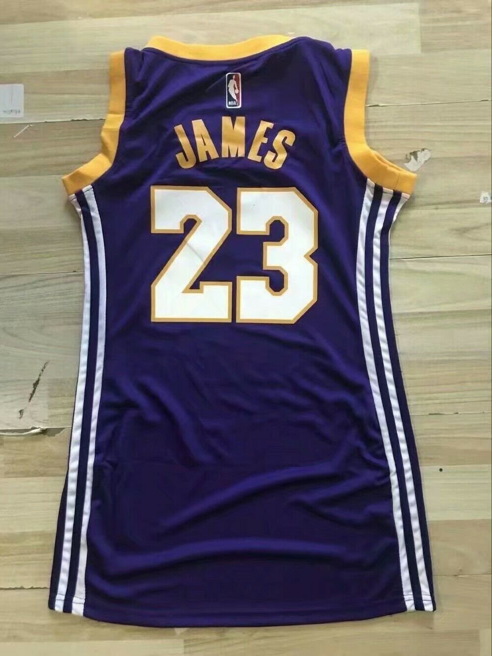 huge discount 7669d a4ddd LeBron James Los Angeles Lakers Women's/19 Stitched Jersey ...