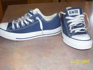 Navy Blue Chuck Taylor Low Tops! Size 8 Womens!