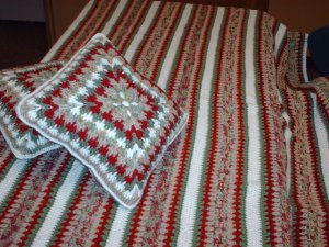 Mile A Minute Afghan With 2 Pillows