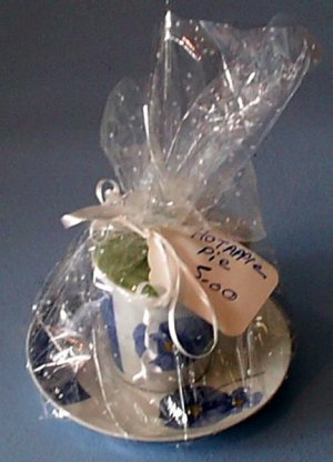 Cup_Plate_Candle_Gift_Basket_Hot-Apple-Pie_Scented