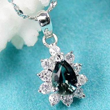 Brand 'LIYING' 925 Sterling Silver Pendant With Natural  Emerald