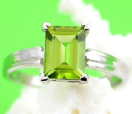 Brand 'LIYING' 925 Sterling Silver Ring with Excellent Nature Emerald
