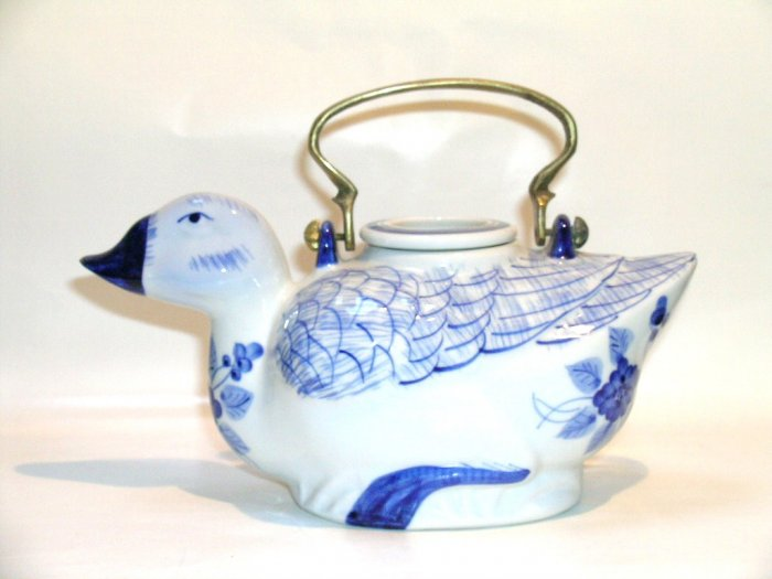 Delft Blue Flow Blue duck teapot brass handle pottery porcelain