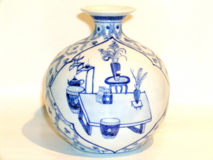 Delft Blue Chinese vase porcelain scene urn pot sitting