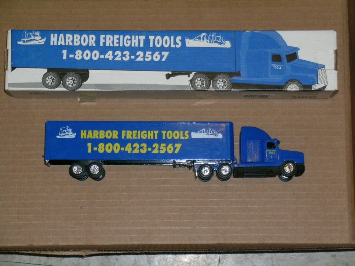 ERTL Harbor Freight Tools Freightliner With Trailer #T204 1:64 scale die cast model 1994
