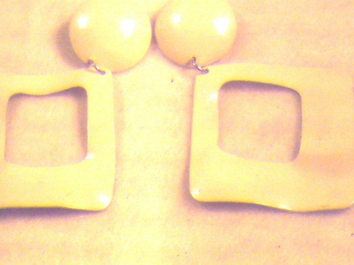 Yellow  Pierced Earrings  (017)