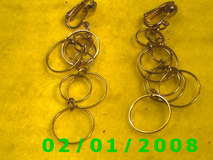 Gold w/Circles Clip On Earrings