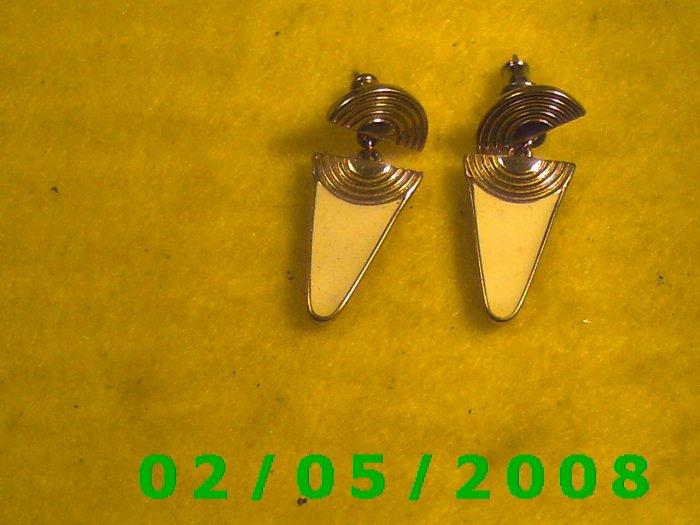 Gold n Cream signed by Trifari Pierced Earrings (024)