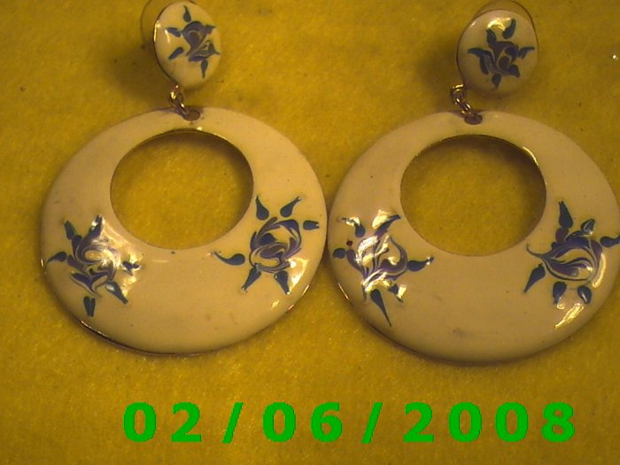 Wide Hoop w/ Floral Design Pierced Earrings