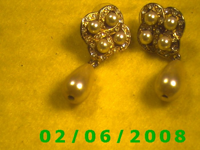 Pearls n Rhinestones w/ Pearl Drop Pierced Earrings (052)