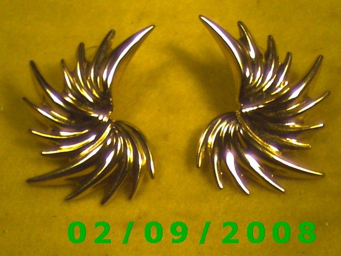 Gold Fling Pierced Earrings