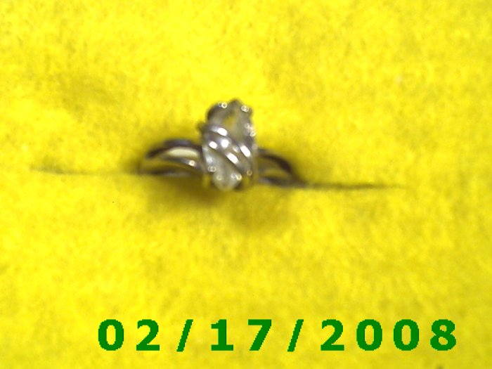 Ring .925 Silver w/clear oval stone   size 5 F002