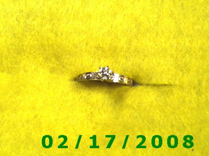 Ring Solid Gold, 10kt  w/genuine diamond   size 8 (F009)