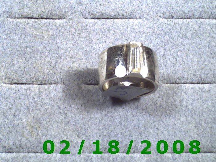 Silver Ring size 7 w/clear rectangle stone, width 11mm