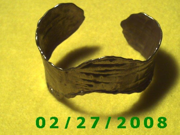 """Gold Bracelett 2 5/8""""  Inside Diameter (017)"""