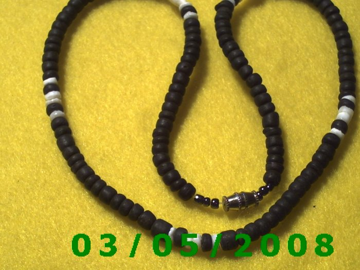 """18"""" Black and White Beads, Necklace w/screw connector (029)"""
