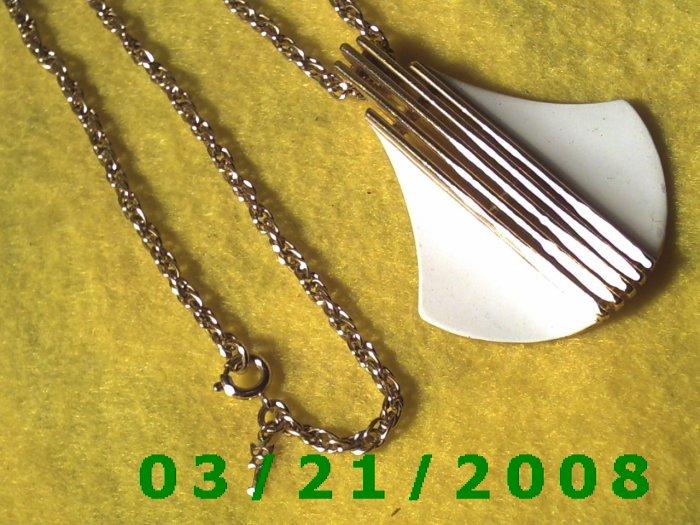 "20"" 2mm Gold Necklace w/ Pendulum signed Trifari   (E-4016)"