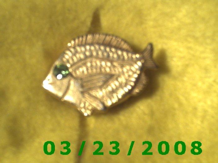 """7/8 x 1 1/4"""" Gold Button Cover (Fish) Emerald Stone  (R025)"""
