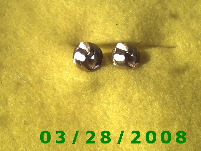 Gold Earrings w/Screw Back (003)