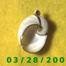 Shell Charm Finished in Gold   (019)