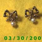 Gold Bow n Pearl Pierced Earrings  (023)