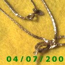 Gold Necklace w/Bow    E5046