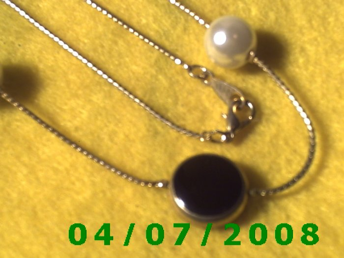 Gold Necklace w/Charms     E6002