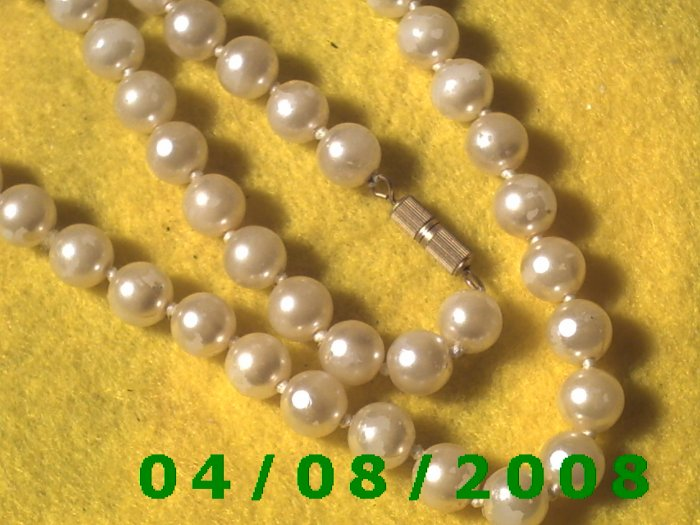 Pearl Necklace     E6025