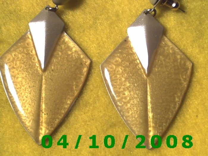 Gray and Yellow Pierced Earrings     Q1002