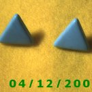 Green Triangles Pierced Earrings      Q1001