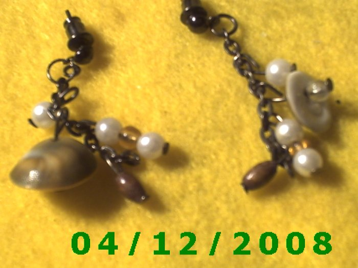 Beads Pierced Earrings.    Q1020