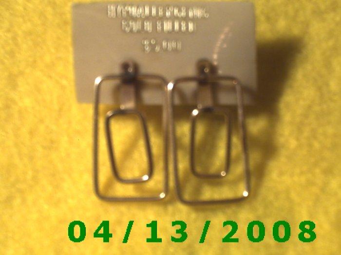 Rectangle Gold Filled Pierced Earrings           Q2007