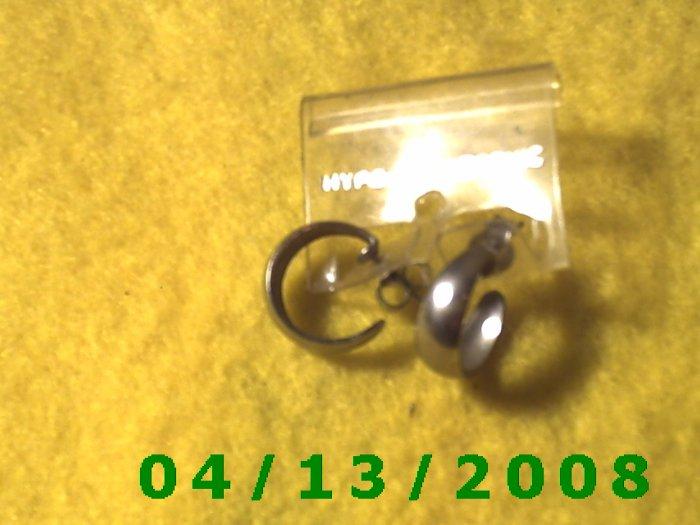 Hoop Silver Pierced Earrings      Q2023