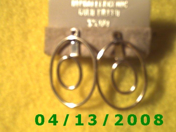 Gold Filled Pierced Earrings      Q2008