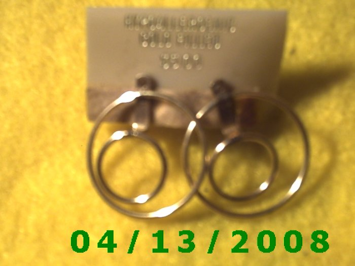 Circle Gold Filled Pierced Earrings     Q2012