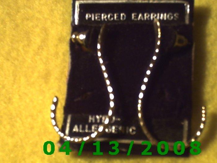 Gold Pierced Earrings Q2016