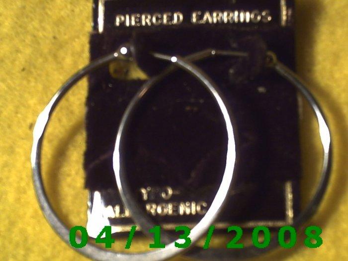 Hoop Silver Pierced Earrings      Q2022