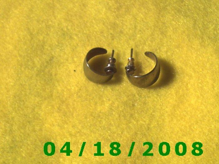 Silver Hoop Pierced Earrings        Q3A002