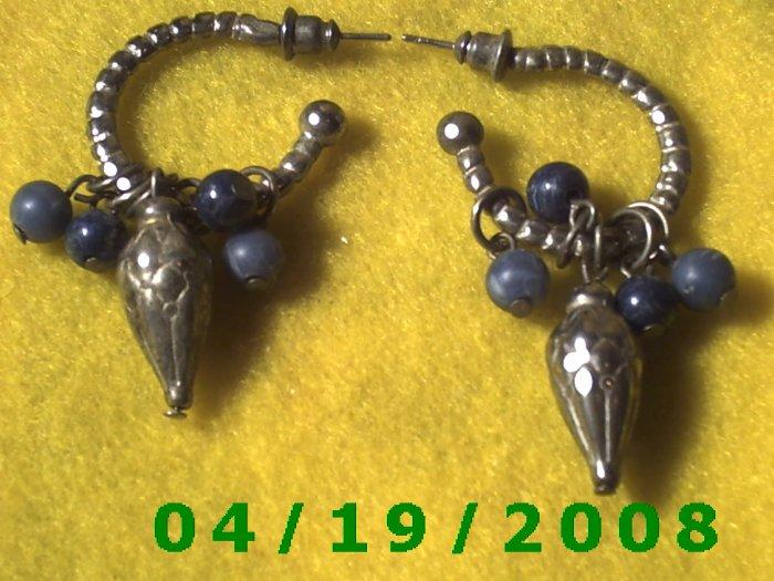 Silver Hoop Pierced Earrings w/Beads    Q3046