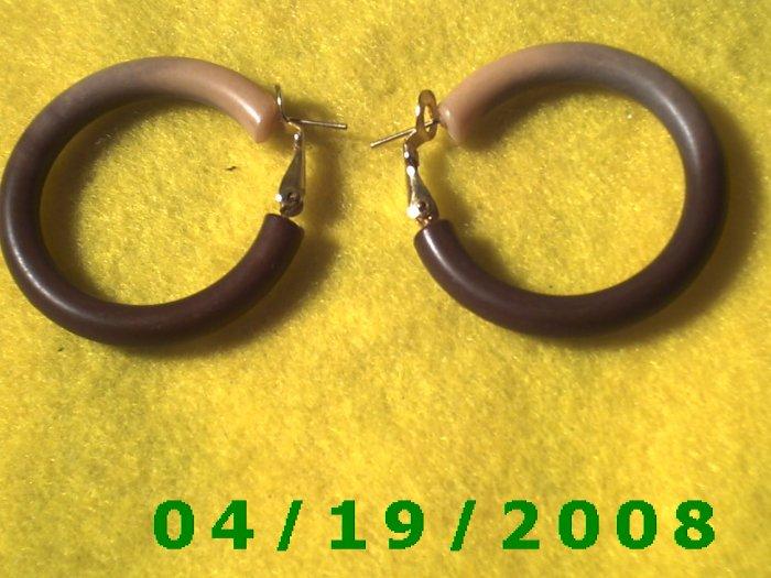 Two-Tone Hoop Pierced Earrings    Q3053