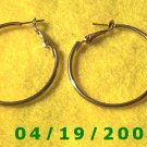 Gold Hoop Pierced Earrings    Q3054