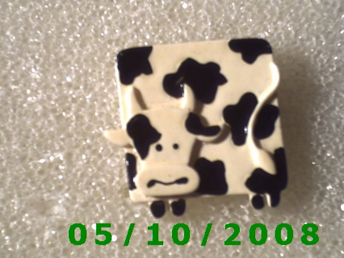 Cow Pin   (116)