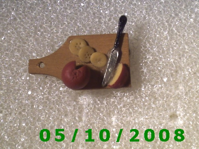 Moma's Cutting Board Pin  (111)