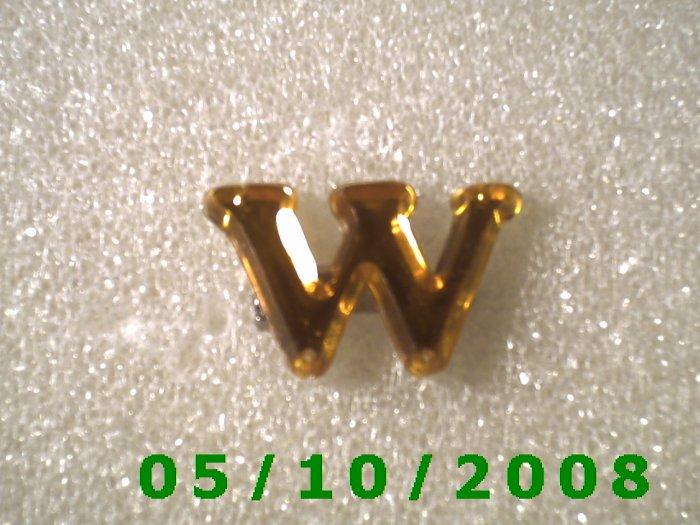 "Plastic Letter ""W"" Pin  (109)"