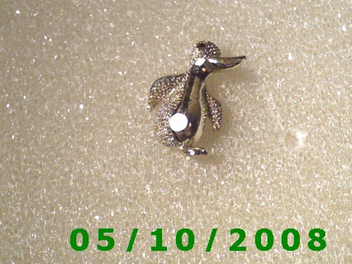 Silver Penquin Pin  A079