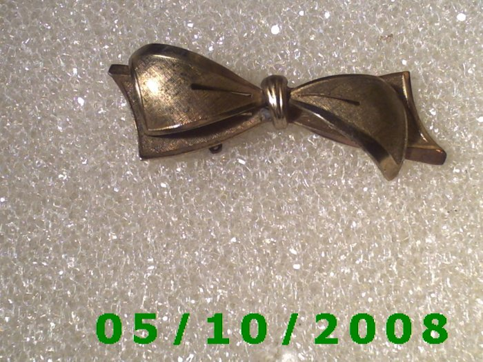 Brass Bow Pin