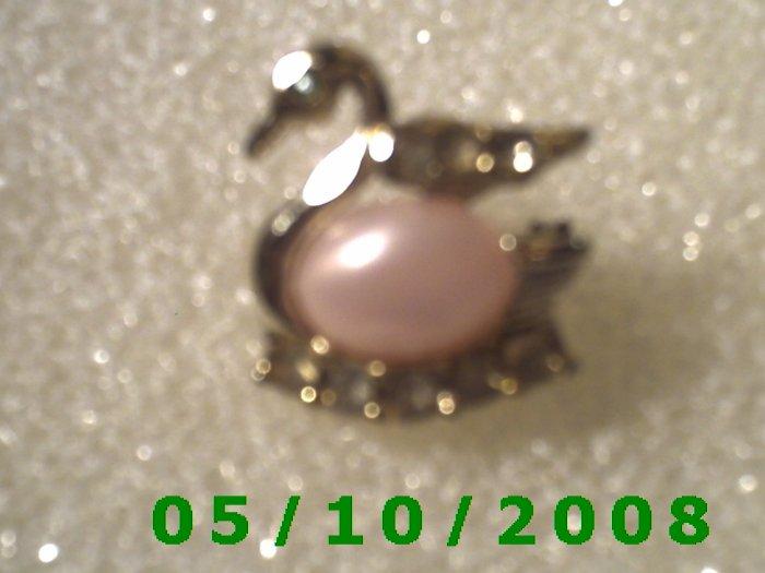 Pink n Gold Swan Pin