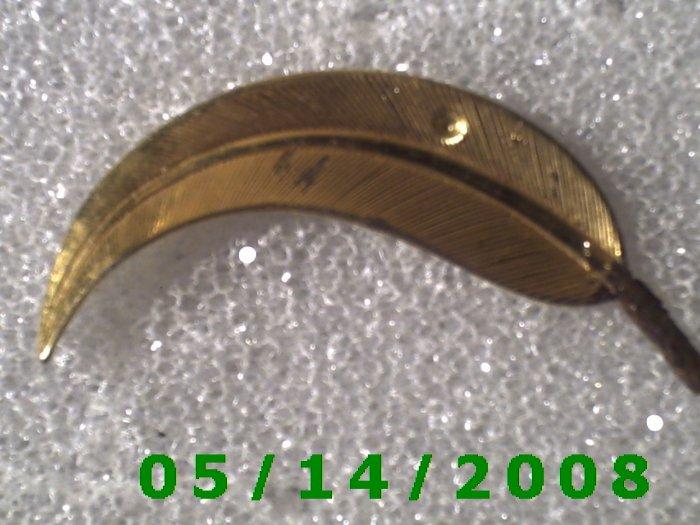 Gold Leaf Pin    B037